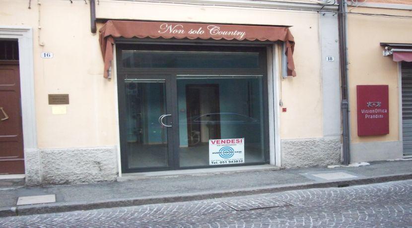 Negozio Centrale Castel San Pietro Terme